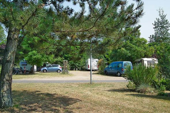 camping le jardin de sully in saint p re sur loire