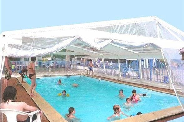 Camping le jardin botanique in limeray frankreich acsi for Camping le jardin botanique limeray