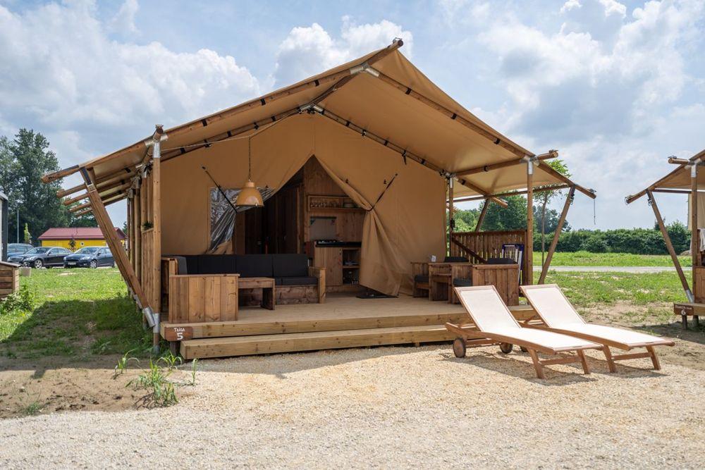 Nadzwyczajne namioty typu lodge